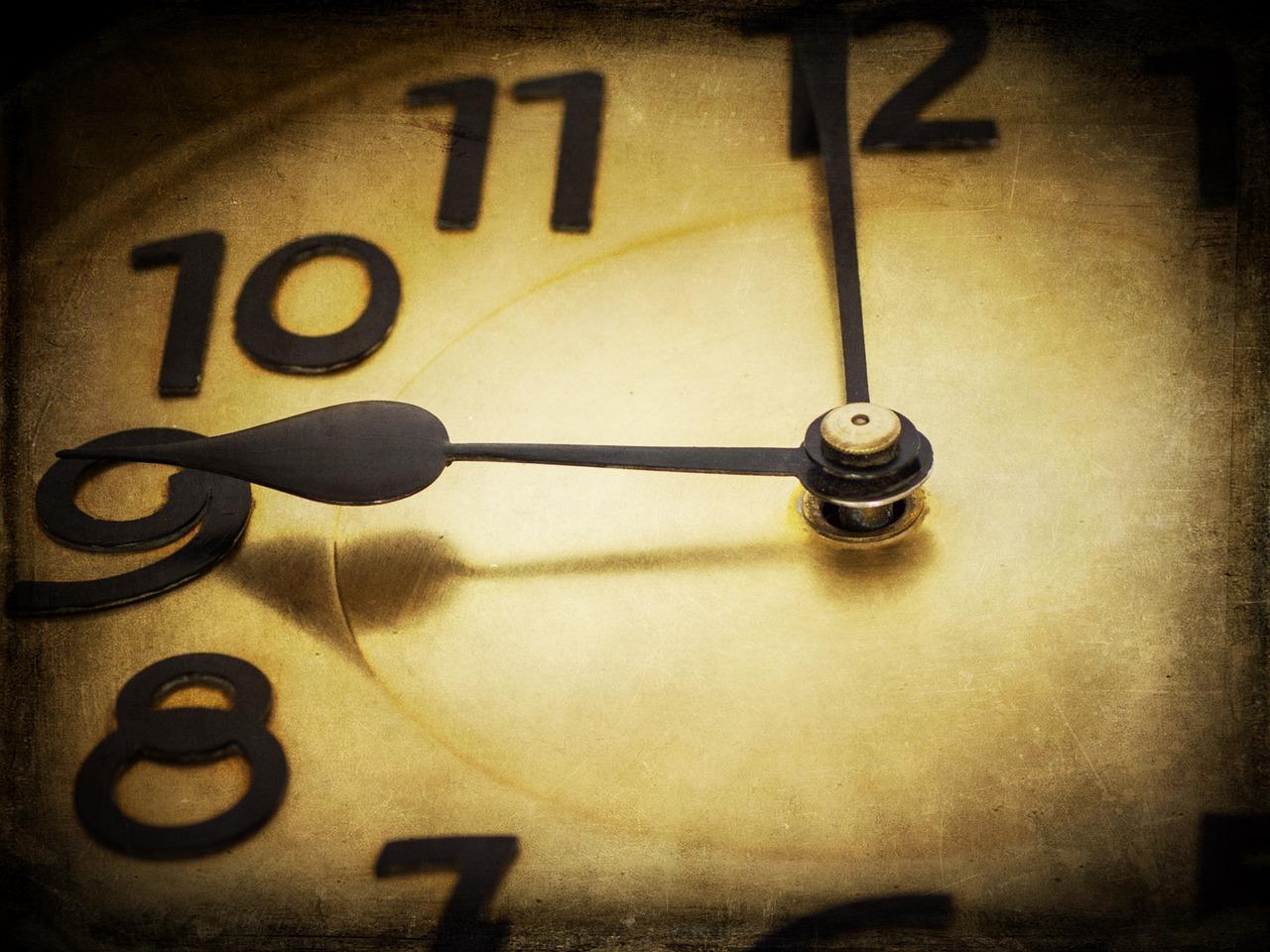 clock-1060458_1280